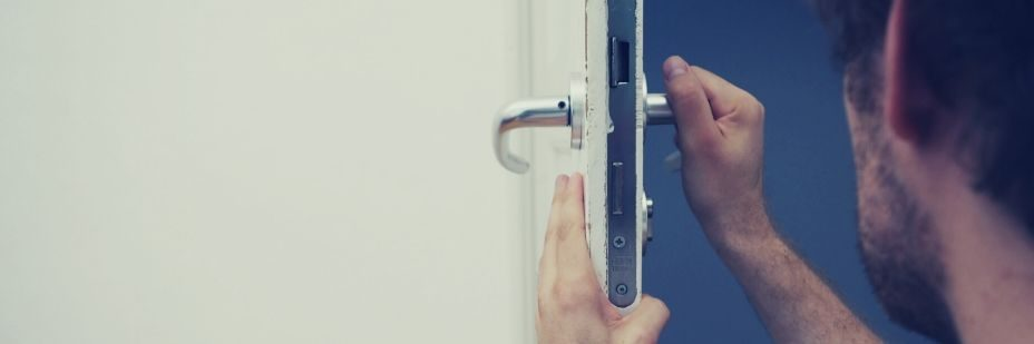 forensic locksmith